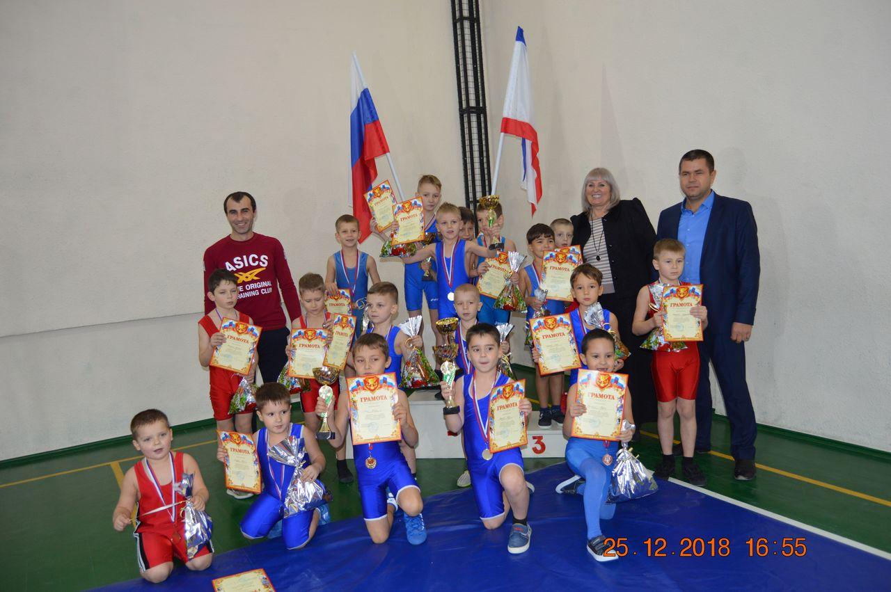 Новогодний турнир по греко-римской борьбе на призы Главы Администрации Раздольненского района