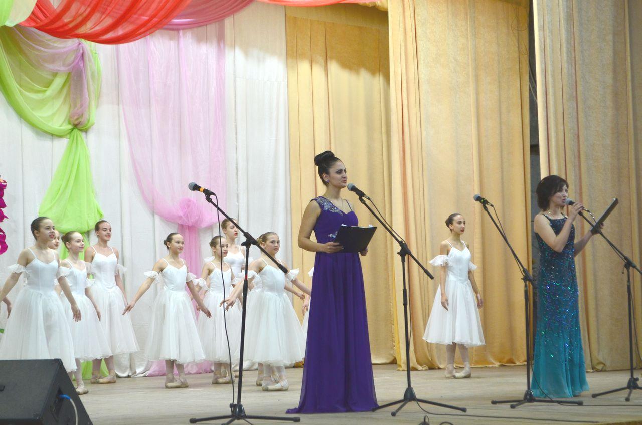 Работников культуры с профессиональным праздником поздравила депутат Государственной Думы Светлана Савченко
